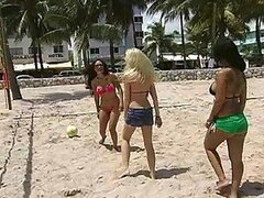Horny Ladies Have An Orgy With Two Guys They Met At The Beach