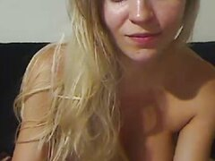 Beautiful Girl Fucking Ass Pussy on Webcam