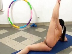 Nude teen babe doing fitness exercises