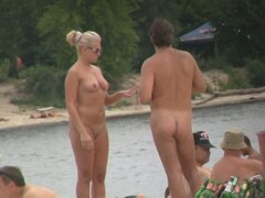 Beach voyeur hunter admires the hot nudity of amateurs