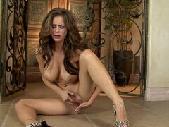 Hot naked Emily Addison fingers her wet cock pit