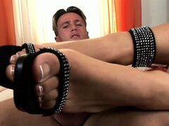 Irresistible lady turns on her honey with her sexy feet and he bangs her