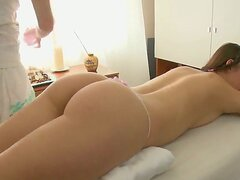 Teen girl Dania came to take some relaxing massage...