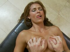 Sexy gorgeous cougar Monique Fuentes makes young guy pound her pussy