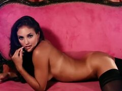 Glamour expensive hottie Jaclyn Swedberg posing...