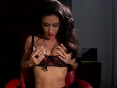 Jessica Jaymes enjoys pure pleasure