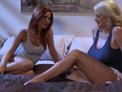 Two lesbo MILFs Stormy Daniels and Kirsten Price 69 pose workout