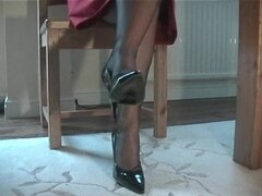 Candid Upskirt View Of Womans Stockings