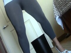 girls peeing spandex lycra pants and leggings 31