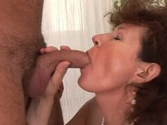 Cock-Craving Mature Gal Giving an Amazingly Skillful Blowjob