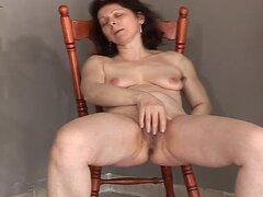 Lady Shows All 34