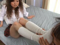 Japanese babe loves dick pumping