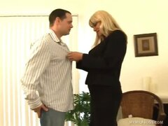 Blonde MILF Pays TV Repairman With BJ