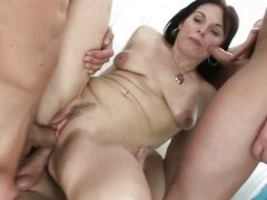Linette - We Wanna Gangbang your Mom