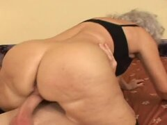 Grandma gets fucked and creampied in her pussy