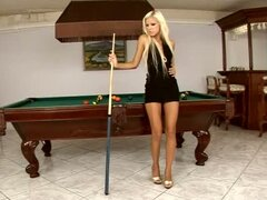 Sexy Blonde Boroka Borres Puts a Cue in Her Pussy Om a Pool Table