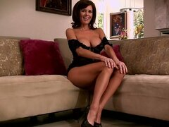 Veronica Avluv spreading and sucking