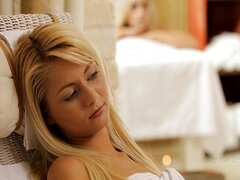 Blonde Massage (Grace Hartley, Marry Queen)